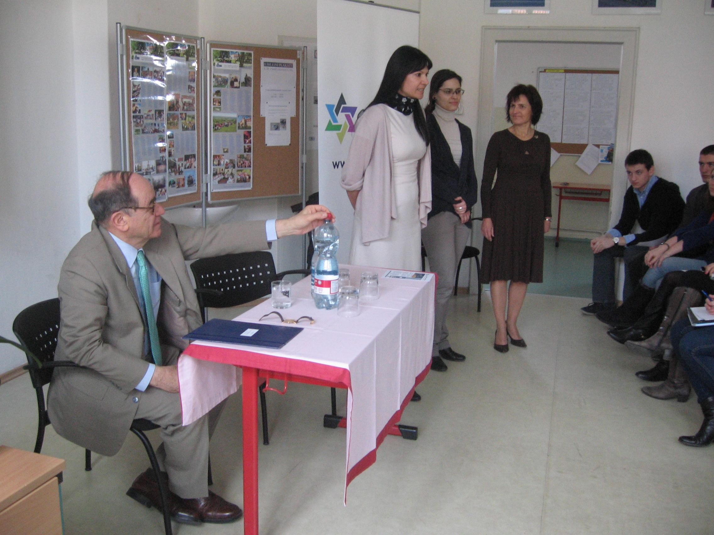 Přednáška pana velvyslance Izraele J.E.Jaakova Levyho na Česko-anglickém gymnáziu